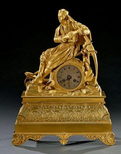 Pendule en bronze doré à sujet de marin grec...