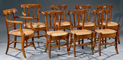 Ensemble de six chaises et une paire de fauteuils...