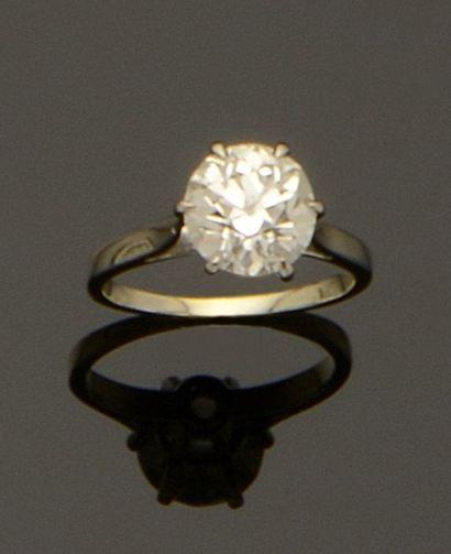 Bague solitaire en or gris, diamant taille...