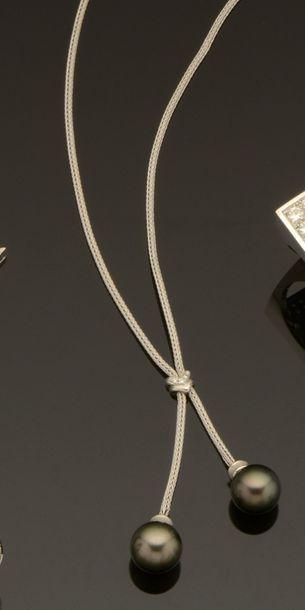 Collier cravate en or gris 18K (750/°°) maille...