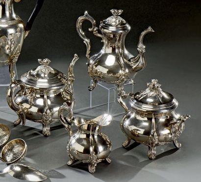 Service à thé café quatre pièces en argent...