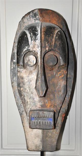 IJO - NIGERIA Masque en bois sculpté polychrome...