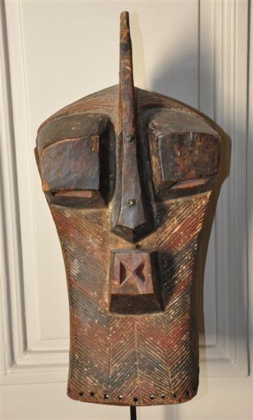 SONGYE - CONGO Masque Kifwebe en bois sculpté...