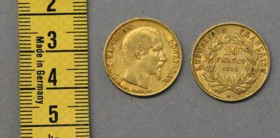 FRANCE Deux pièces de 20 Francs en or Napoléon III tête nue, Paris 1852 Poids 12,8...