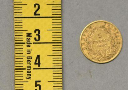 FRANCE Une pièce de 5 Francs en or Napoléon III laurée, Paris 1862 Poids 1,6 g
