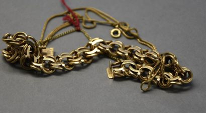 Bracelet en or jaune 18K (750°/°°) à large...