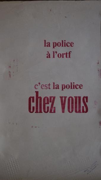 Lot de cinq affiches comprenant :   - Deux...