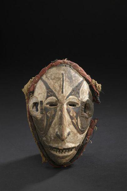 Masque Igbo, mmwo Nigeria H. 19,5 cm Superbe...