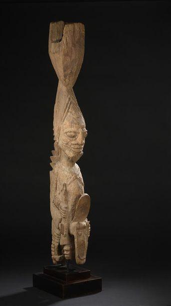 Pilier Yorouba Nigeria H. 100 cm Ancien pilier...