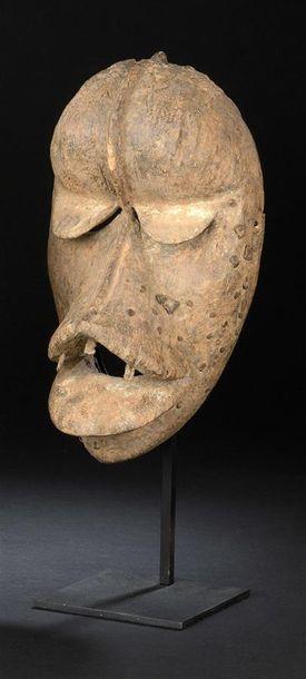 Masque Dan/Kran Côte d'Ivoire/Liberia H. 28 cm Masque anthropo-zoomorphe présentant...