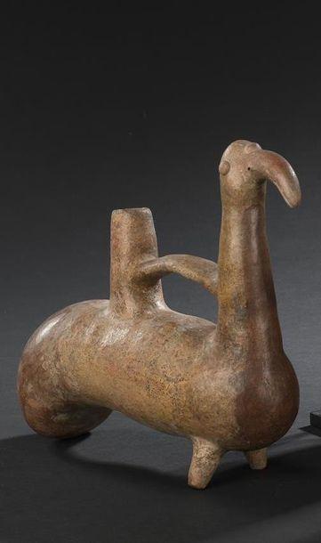 Vase siffleur zoomorphe Culture Vicus, Pérou...