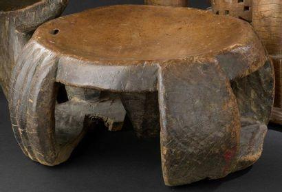 Tabouret Gabon H. 16 cm, D. 31 cm Collecté...