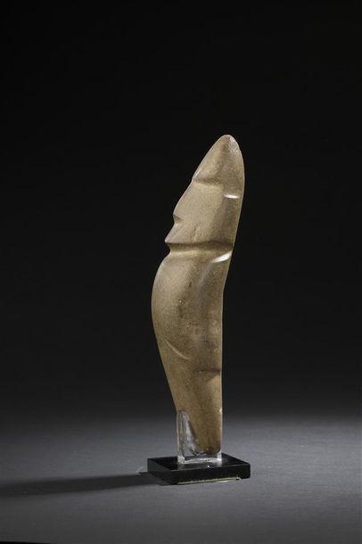 Hache anthropomorphe Culture Mezcala, Etat du Guerrero, Mexique occidental Préclassique,...