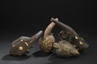 Quatre poires à poudre, Turquie, art populaire,...