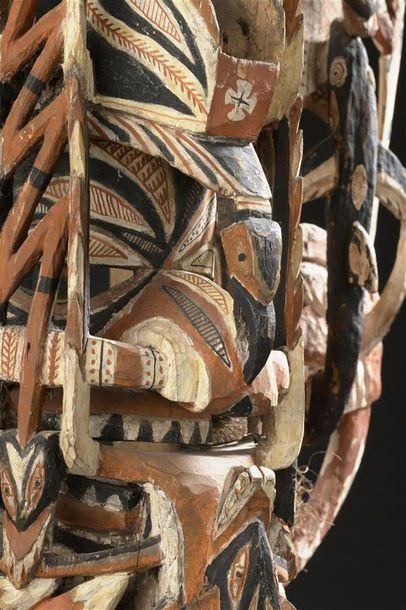 Masque Matua Nouvelle-Irlande, Ile du Nord H. 64 cm Provenance Übersee-Museum, Brême...