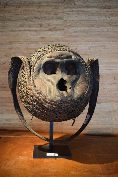 Crâne de singe dans vannerie Vili Sud Gabon...