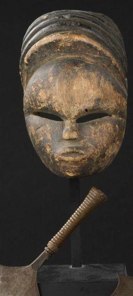 Masque Bini Nigeria H. 16 cm Provenance Pierre...