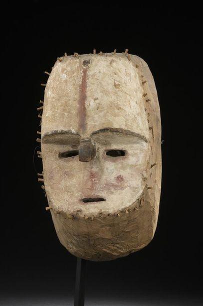 Masque Tsogho Gabon H. 30 cm Provenance Collecté...