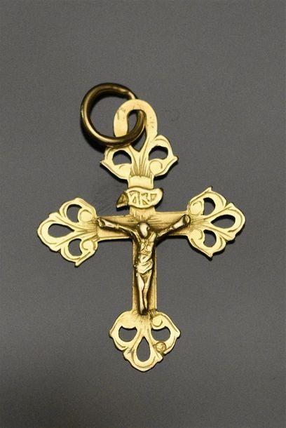 Croix grille de Chambéry en or jaune 18K...