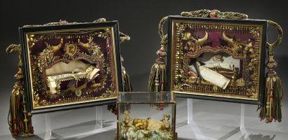Paire de tableaux reliquaires et figures...