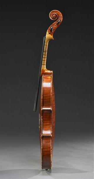 Violon italien de Cesare Candi, fait à Gênes en 1902. Numéro 14. Il porte son étiquette...
