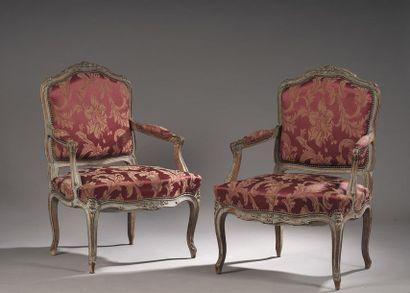 Paire de fauteuils à dossier plat en hêtre...