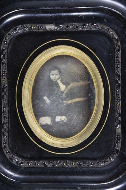 Daguerréotype, vers 1850 Beau portrait d'une...
