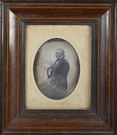 Portrait de Monsieur et Madame Berne, vers 1845 Paire de daguerréotypes représentant...
