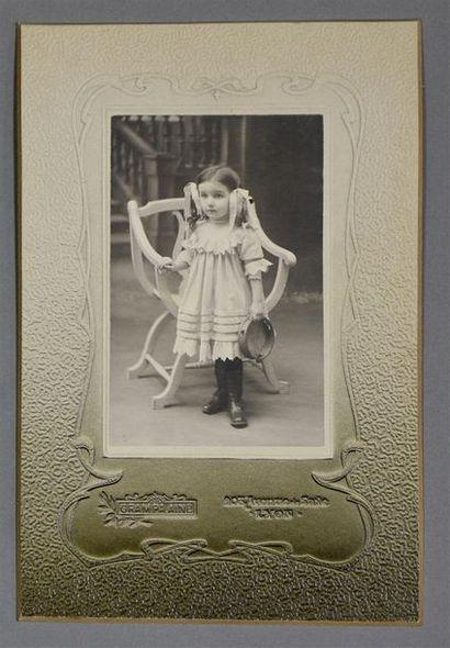 Cartes de visite 1860-1900 Fort lot d'environ 70 épreuves dont quelques portraits...