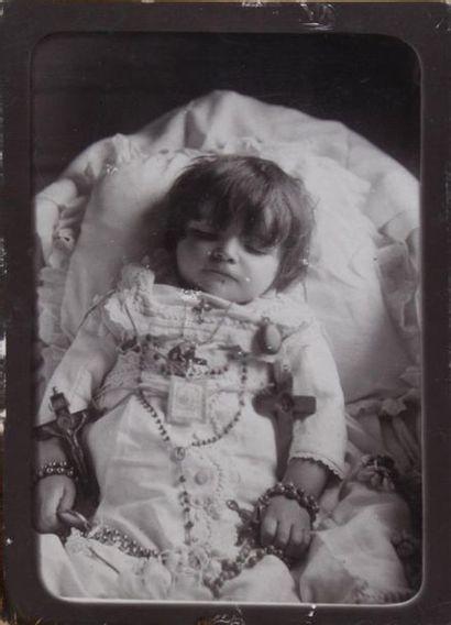 4 cartes de cabinet vers 1880-1890 - Portrait de Victor Hugo photographié chez lui...