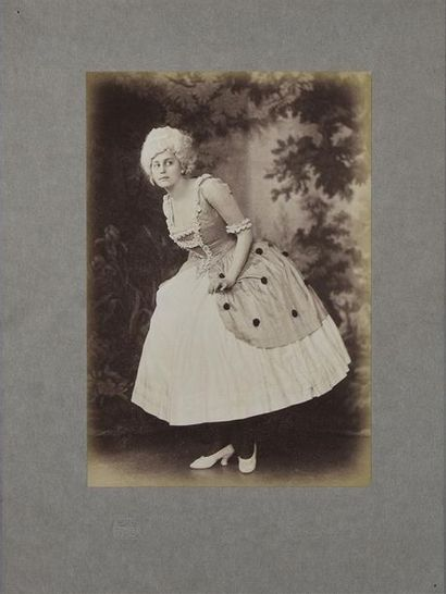 L'opéra Les Petits Riens par Alfred PIEPERHOFF (1869-1934) de Magdeburg (Allemagne)...