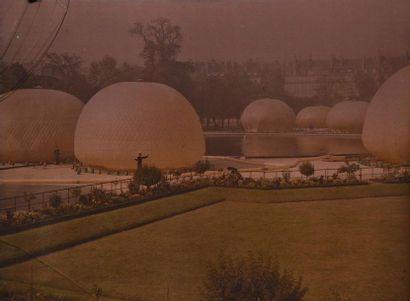 Autochromes, vers 1910 Gonflement de ballons...