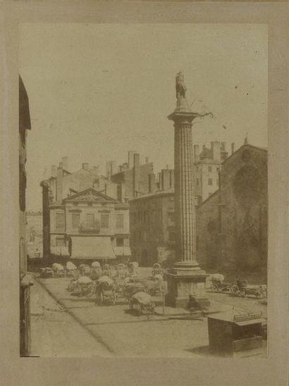 La place des Cordeliers à Lyon, vers 1855,...