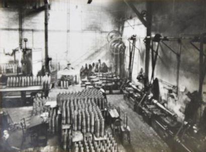 Guerre 1914-1918, fabrique d'obus, probablement...