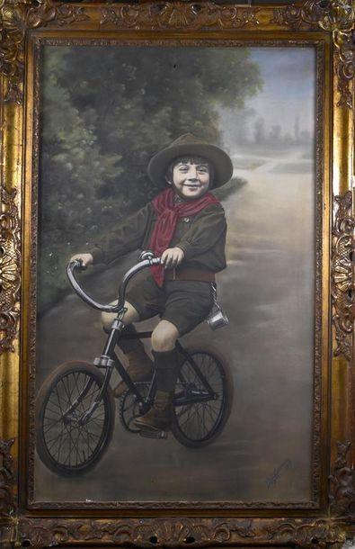 A. CHAVANES, photographe à Lyon Portrait d'un garçonnet en tenue de boy-scout sur...