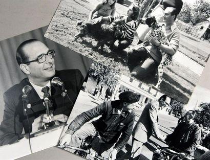 Jacques CHIRAC jeune (1932-1980) Fort lot de 70 tirages de presse et contretypes...