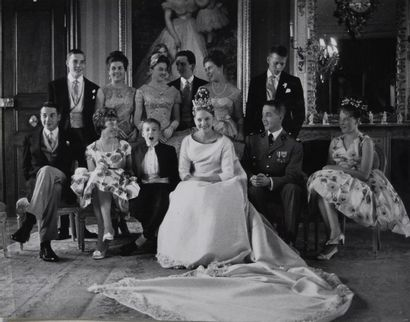 Henri d'Orléans, Le Comte de Paris et Duc de France (1933- 2019) et sa famille,...