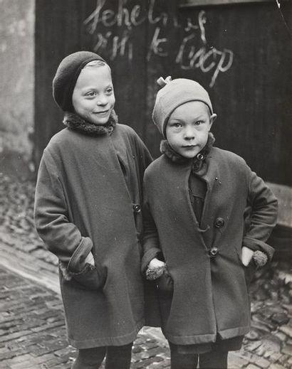 Roger Parry (1905-1977) Hollande 1937/1938, scènes de rue et portraits Remarquable...