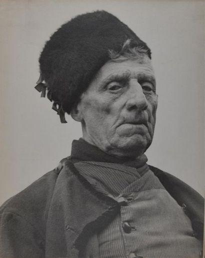 Roger Parry (1905-1977) Hollande, 1937/1938, portraits Ensemble de 7 tirages argentiques...