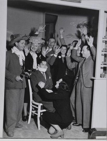 Roger Parry (1905-1977) Vie artistique à Paris pendant l'occupation Ensemble de 5...