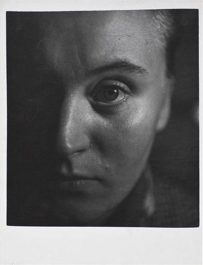 Roger Parry (1905-1977) Portraits divers, 1935/1950 Intéressante série de 13 tirages...