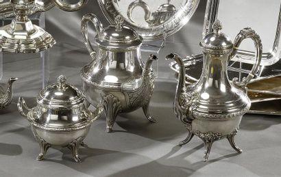 Service à thé en argent, à moulures de laurier,...