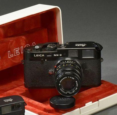 LEICA M4-2 Leitz Wetzlar n° 1468679 Made in Canada, appareil télémétrique 24 x 36...