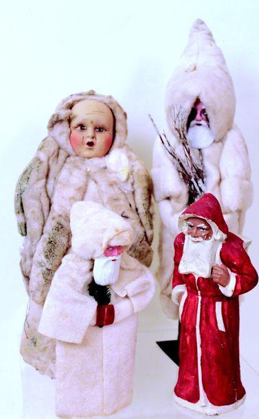 Ensemble de 4 père Noël et Père fouettard...