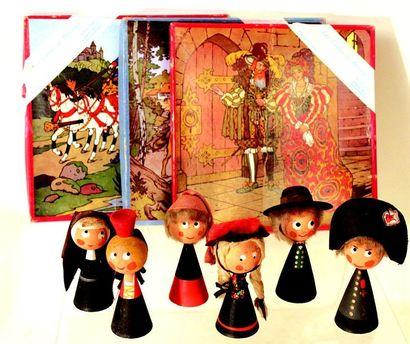 Ensemble de jouets en bois comprenant; 3...