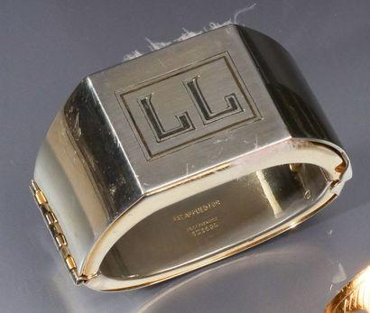 Zama - (1935)  Rare bracelet manchette moderniste à secrets en métal chromé, chiffré...