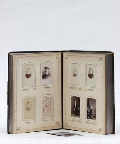 Album de photographies anciennes