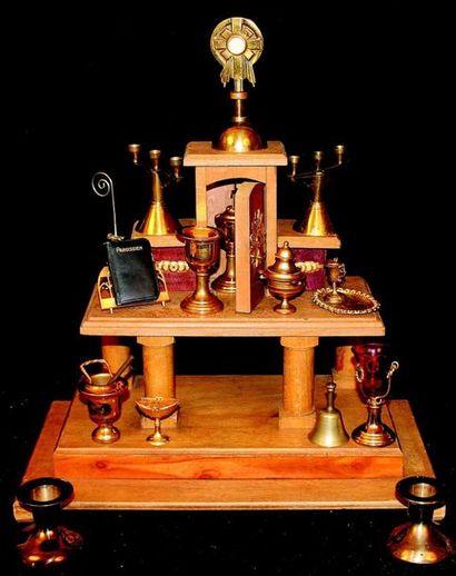 AUTEL liturgique en bois avec trois marches...