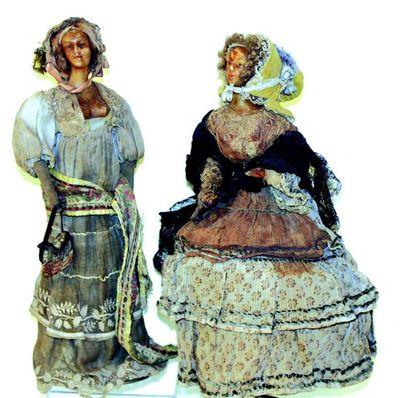 Paire de poupées artistiques à têtes bustes...