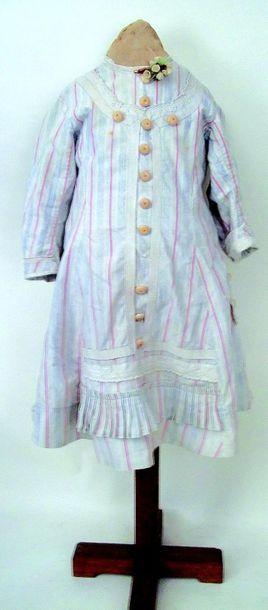 Authentique robe de petite fille de 6/7 ans,...